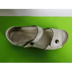 472-бежово-KARYOKA ниски ортопедични кожени сандали