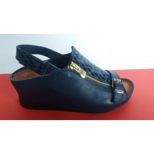 Мод:403 кожени сандали на платформа